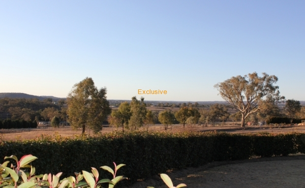 90A DONCASTER DRIVE INVERELL 034